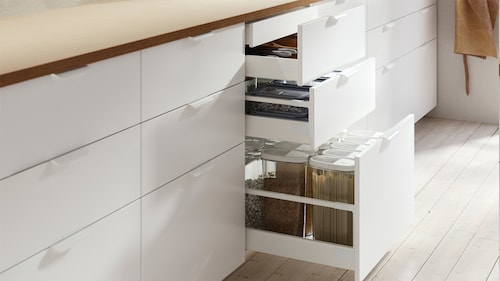 Kitchen shelves & drawers