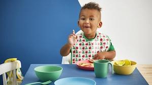 Children's kitchenware & tableware