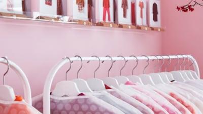 Závěsné organizéry na oblečení
