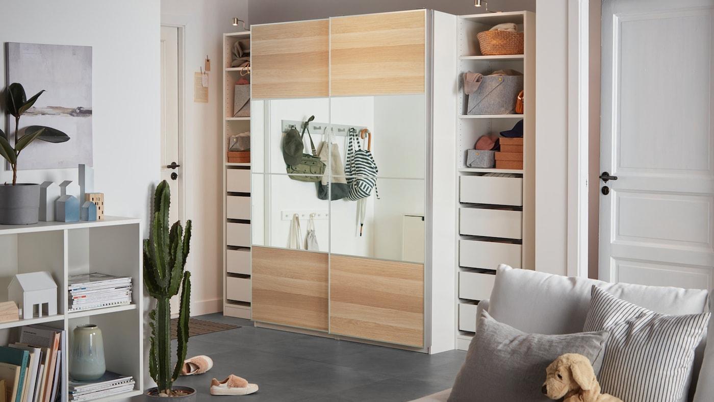 Pax Schiebeturen Fur Den Kleiderschrank Ikea Deutschland Kuechenschrank mit elektrisch angetriebenen schiebetueren. pax schiebeturen fur den kleiderschrank