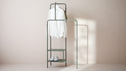 Clothes racks & stands