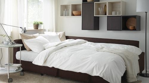 كنبات - سرير